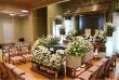 翠の間 生花祭壇