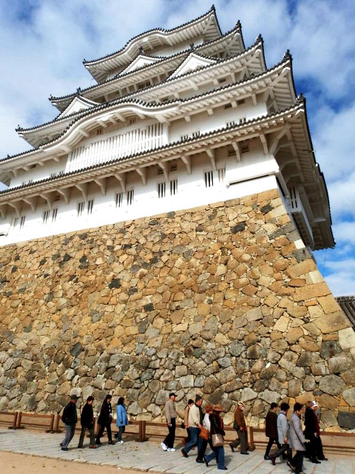 姫路城の天守の周りも散策しました